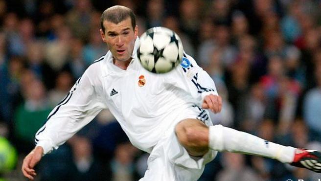 La volea de Zidane en la 'novena', elegido el gol más bonito de la historia de la Champions