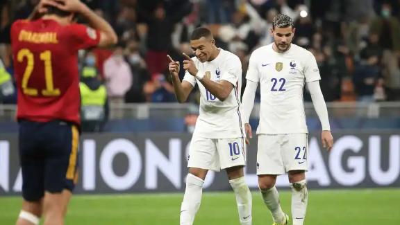 España promete; Francia vence